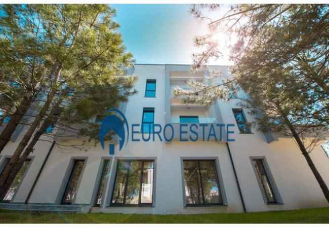 Okazion-Durres,shes Apartament 1+1+Oborr,112 m2,61.000 Euro(VALA MAR ) Shitet super Apartament 1+1 me siperfaqe totale 61 m2 ndertimi dhe 51 m2 oborr ,