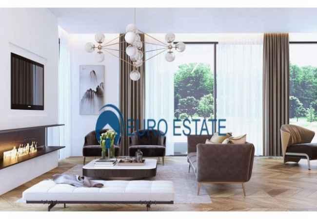 Tirane, shes Vile 3+1+A+BLK 300 m² 450.000 Euro (TEG) E konceptuar për një jetesë komode, vila ofron një sipërfaqe te madhe dhe m