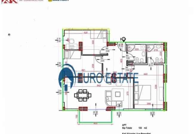 Tirane,shes Apartament 3+1, Kati 10,133 m²,93.000 Euro (Turdiu Rezidence) Apartamenti eshte i tipit 3+1, perbehet nga salloni I bollshem+gatim, 3 dhoma gj