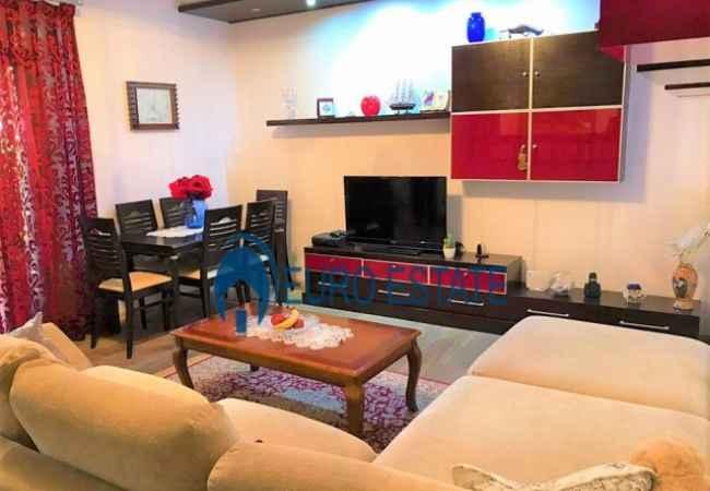 Tirane,shes Apartament me hipoteke,3+1,kati 7,117 m² 155.000 Euro (Sheshi Willson) Apartamenti ndodhet ne nje nga zonat me te preferuara te kryeqytetit, prane Stad