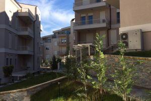 Tirane,shitet Apartament me hipoteke,2+1,Kati 2,101 m²,100.000 Eur(Kopshti Zoologjik) Ne Rrugen Peti, ne Rezidencen SONA, shitet nje super apartament 2+1, ne katin e