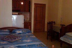shtepi me qera ne vlore Oferte per shtepi pushimi me qera- Garsoniere ne Lungomare, Vlore