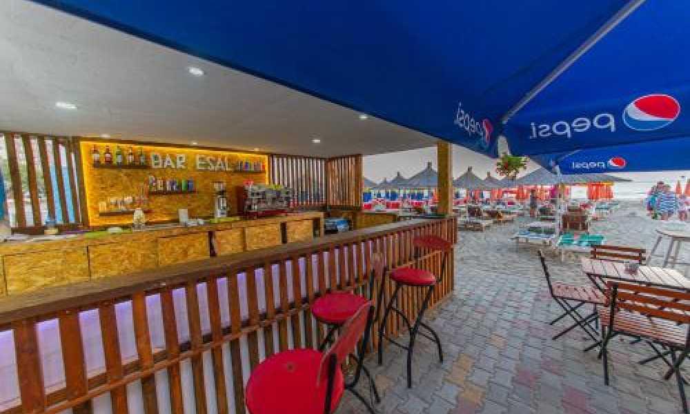 🌞 Esal Hote - Qendrimi, parkim, mengjes dhe darke, beach bar, cader si dhe Wi-Fi kudo