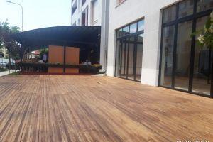 Jepet me qera super ambient 167 m2 . Rruga Sali Butka . Mbrapa shkolles Europian Tirane . 800 euro + 15 % perfshir ne cmim . Jepet me qera ambient 87 m2 + 80 m2 verande . Kati 0 i pershtatshem per cdo lloj