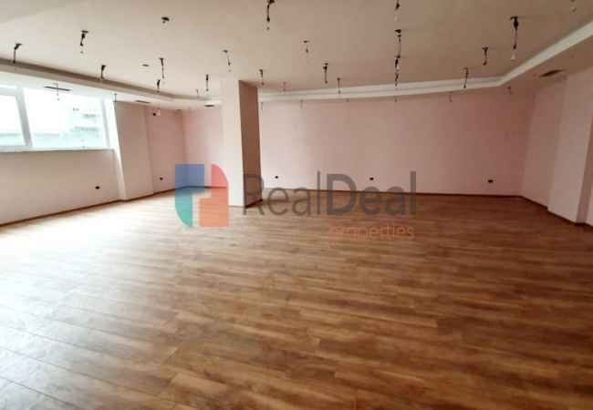 id:215074 - Near Tirana Mosaic, Super Commercial Premises For Rent, For Any Type Of Activity