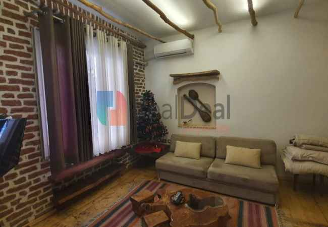 id:116341 - In Center of Tirana, 1 + 1 Apartment For Rent!