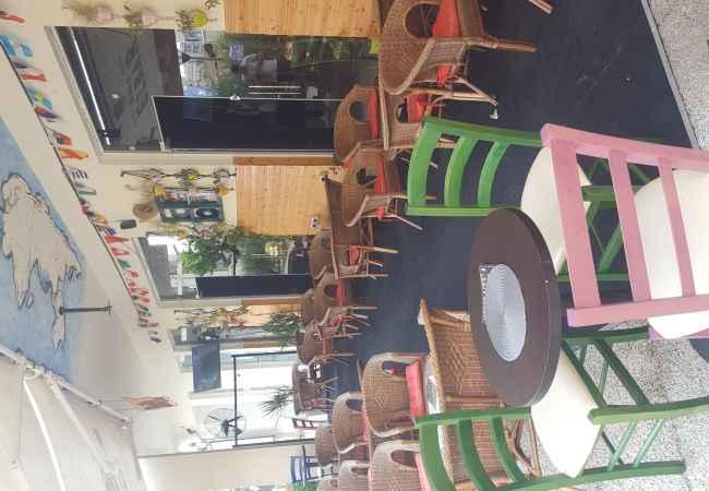 Tirane, jap me qera lokal Kati 0, 130 m² 650 Euro (Rruga Ndre Mjeda , Kompleksi  Jap lokal (dyqan) me qera ne nje nga zonat me te mira sot ne Tirane, ne kompleks
