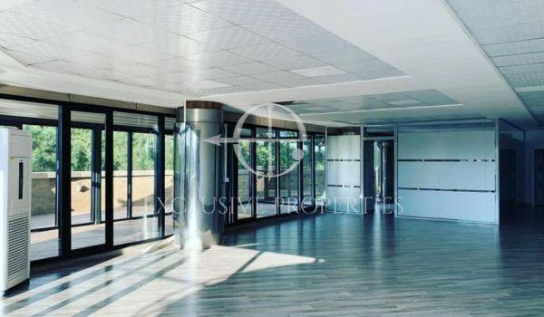 Tek Kullat Binjake Shitet Super Ambjent Komercial, 267 m2.