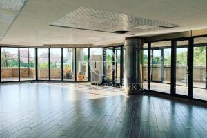 Tek Kullat Binjake Jepet Me Qira Super Ambjent Komercial 263 m2! Exclusive ☑️Po kerkoni nje Ambjent te pershtatshem per zyra Avokatie, Note