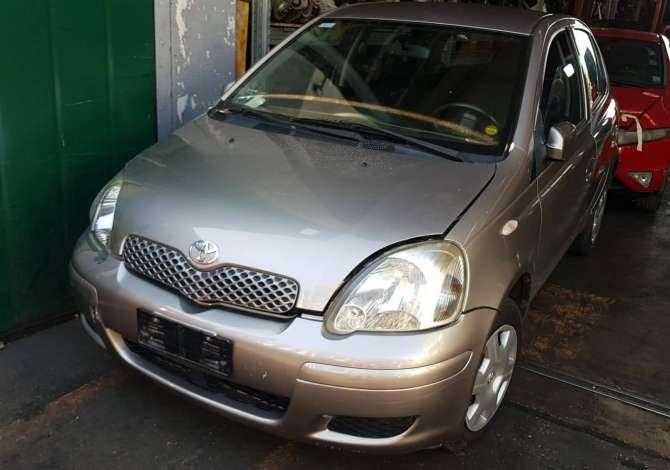 Toyota Yaris viti 2003 e sapoardhur nga Italia, çmontohet për pjesë këmbimi.