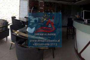 Bar Kafe Dyqan me qera prane 21 Dhjetori ne Tirane (ID 4271256) Property ID : 4271256Tek 21 Dhjetori, jepet me qera Duplex Bar Kafe Piceri,