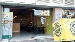 Turizem Bar Dhe Restorante Piceri Kreperi Ensari Hallall- Sherbim Taxi