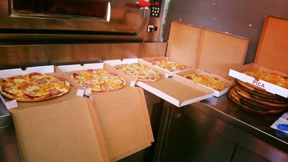 Pizza Kinostudio Hallall-Sherbim Taxi