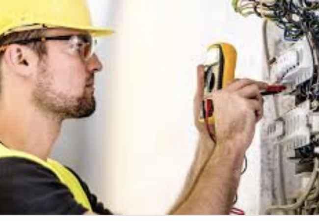 Sherbime Sherbime Profesionale Elektriciste 24 ore ne Tirane