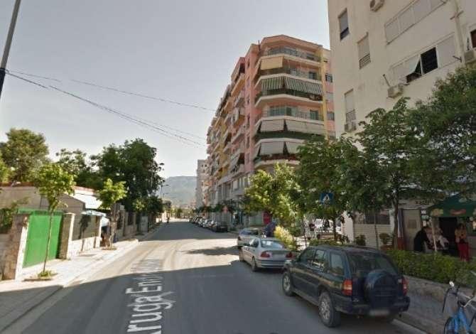 Shitet, Ambient, Materniteti I Ri, Tiranë 90,000 € ID: OPP+19675 Shitet, Ambienti i cili ndodhet pranë Maternitetit te Ri, në rrugën Endri Kek