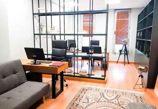 Jepet ambient zyre me qira ne qender te Tiranes! Per me shume info, klikoni ketu: [urlcode]https://homeland.al/property/jepet-me-