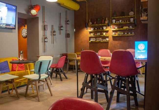Bar Lounge ne shitje te Stadiumi Dinamo Ne nje prej zonave me te preferuara te Tiranes shitet biznesi i nje Kafe, Bar Lo
