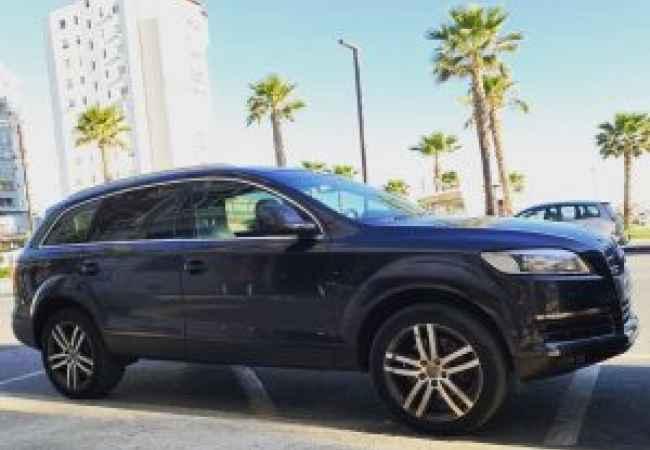 Jepet  makine me qera Audi_Q7_2007_diesel_3.0-Auto = 70 € / dita  Jepet makine me qira Audi_Q7_2007_diesel_3.0-Auto = 70 € / dita #Audi Q7  @2