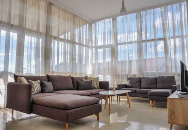 Suite AioAlbania trilogy trumpet with garage Rent a daily or weekly apartment in one of the best areas of Tirana. The 2 + 1 +