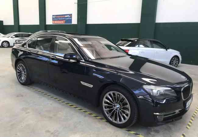 Shitet BMW 740 x-Drive BMW 740 x-Drive , viti 2011 me nafte , full option