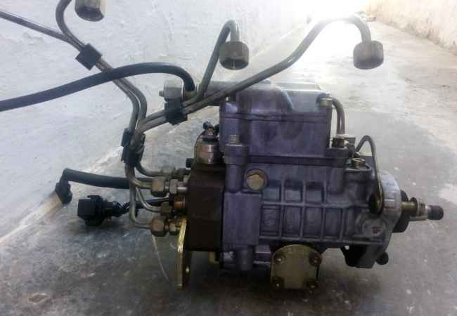 Pjese per makina Pompe nafte vw viti 1998