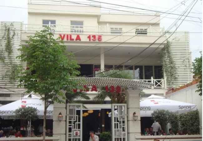sanitare Vila 135 kerkon Kamarier/e dhe Saniatre